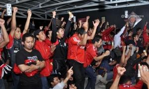 Nonbar QPR vs. LFC oleh fans di Bogor, Jawa Barat
