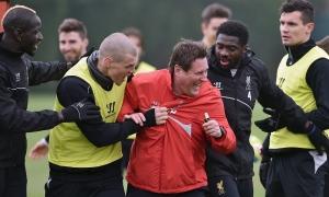 Latihan persiapan untuk hadapi Man United