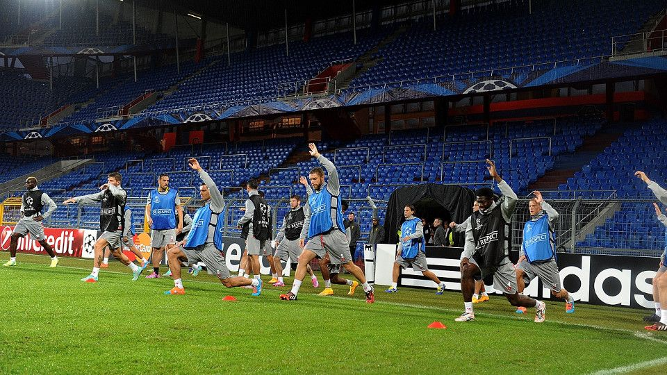 Reds train in Basel